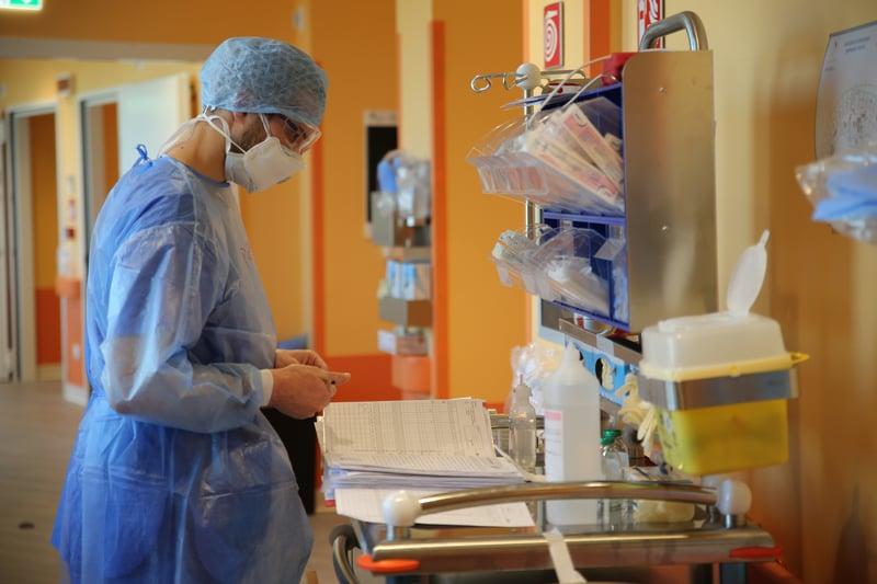 Giornata_mondiale_infermiere_arte_stare_accanto_prendere_cura_UniSR (4)