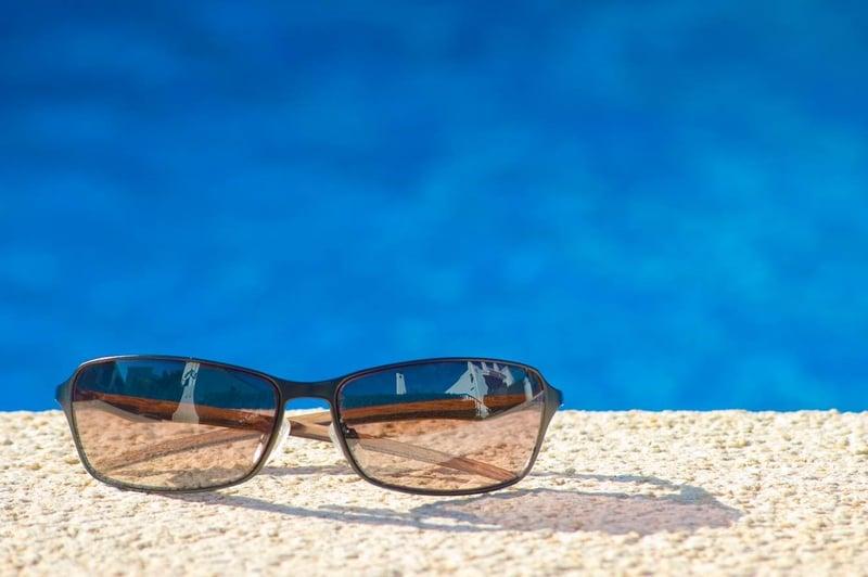 Vacanza_sole_protezione_occhi_UniSR (1)