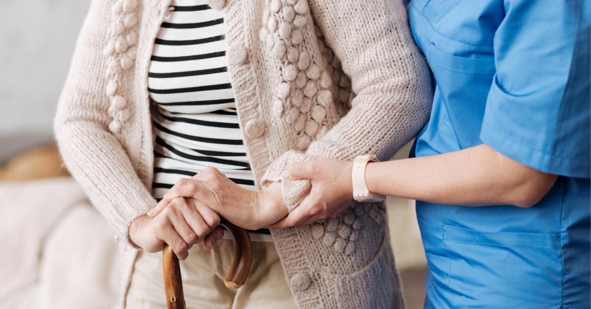 Mind the gap: l'assistenza alla persona anziana